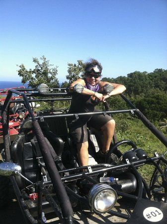 Roatan Sand Blasters Dune Buggy Tour:                   A great time!