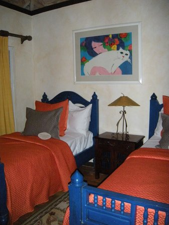 Villa Montana Beach Resort:                   Twin beds