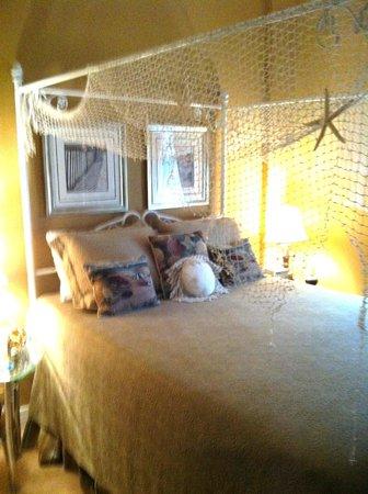 Luther Hotel: Back Bay Suite - Bedroom