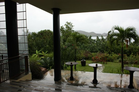 Coco de Mer - Black Parrot Suites:                   Grounds....