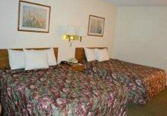 Days Inn York: 2 Bed Queens