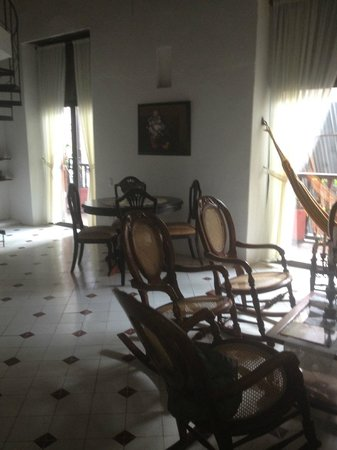 Alfiz Hotel :                   sitting and dining area of room 8