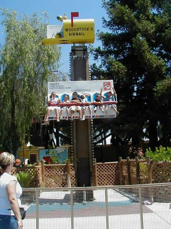 Knott's Berry Farm: Woodstock's Air Mail Ride