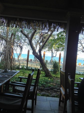 Hotel Capitan Suizo: View of beach from the restaurant