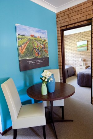 Ovens Valley Motor Inn: Two Bedroom Family Guest Room