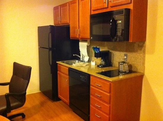 Candlewood Suites Manassas :                   kitchen