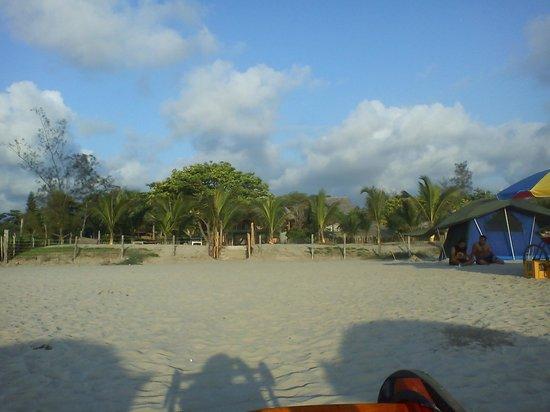 Hostal Kundalini:                   desde la playa