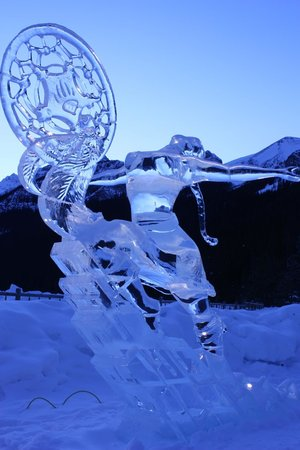 Fairmont Chateau Lake Louise:                   An ice sculputure.