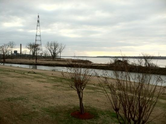 Lady Luck Hotel: view of river and geese