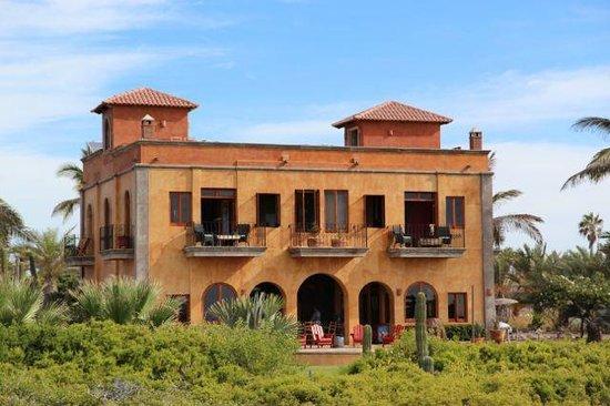 Villa Santa Cruz :                   Day time Villa