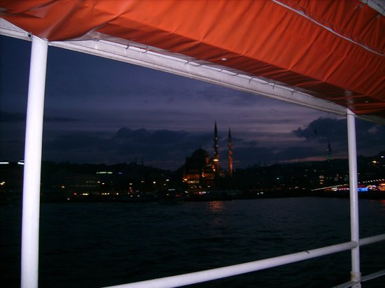 Bosphorus Strait: View to Eminönü from the boat