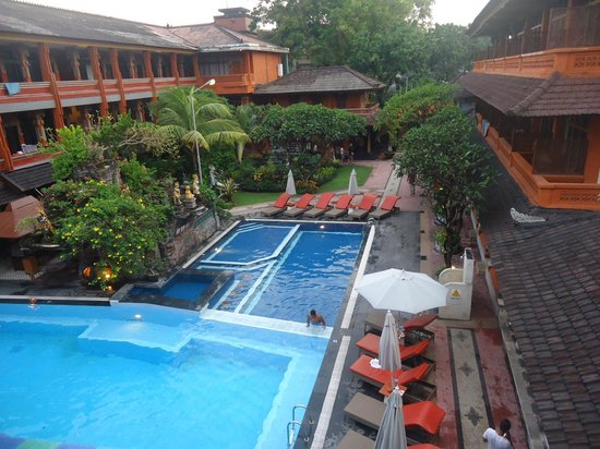 Wina Holiday Villa Hotel:                                     view from 3rd level