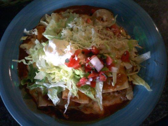 Mucho Margaritas: Lunch Enchilada Combo