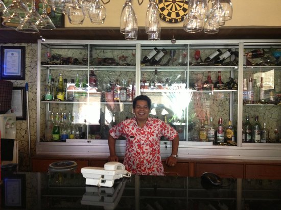 Wina Holiday Villa Hotel :                                     best barman!
