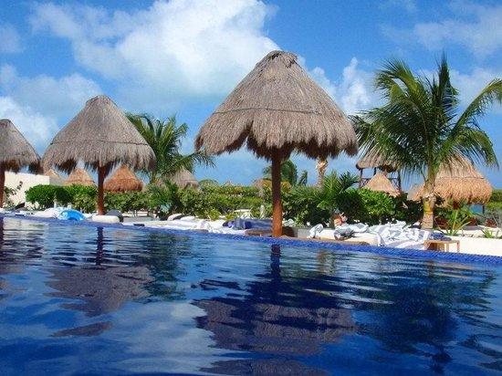 Beloved Playa Mujeres:                   Beautiful infinity pool...