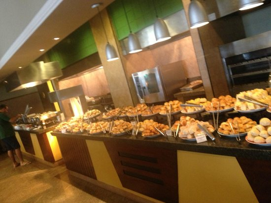 Bourbon Atibaia Convention & Spa Resort:                   Breakfast Buffet