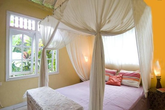 Casa Mia BnB Bali Seminyak: Matahari's room, down stairs with garden view