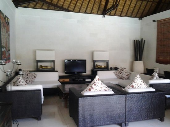 Andari Bali Villas:                   TV Family Area