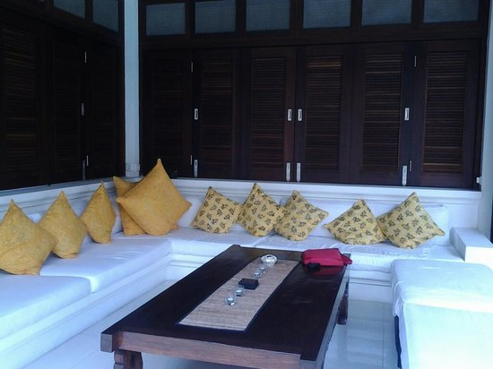 Andari Bali Villas:                   Open Lounge area