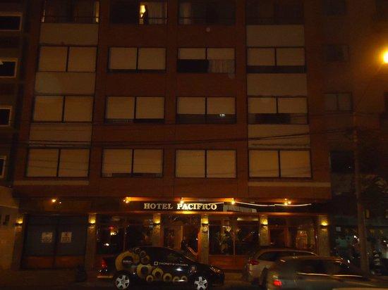 Hotel Pacifico :                   Frente