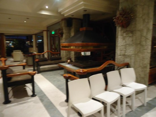 Hotel Pacifico :                   Lobby