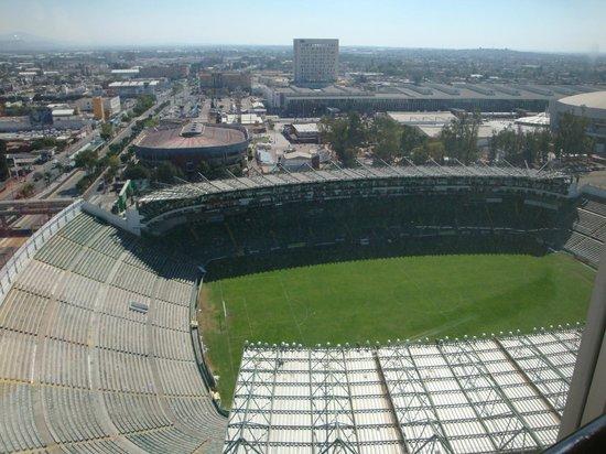 Hotel Stadium: Vista del estadio desde los pasillos del hotel