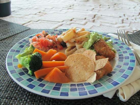 Hotel Marina El Cid Spa & Beach Resort:                   Mexican Buffet