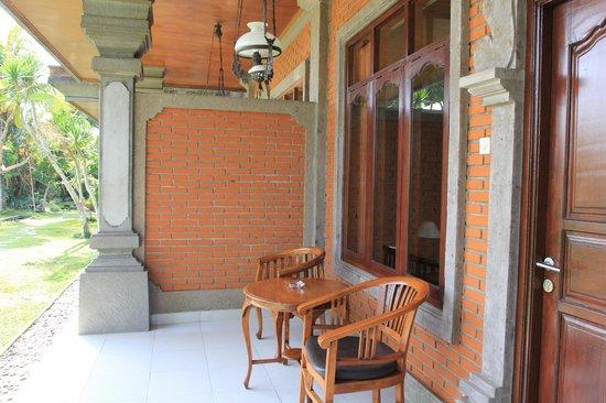 Saren Indah Hotel:                   Room area