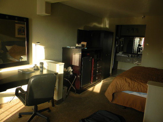 Comfort Inn and Suites Rancho Cordova:                   room 328 with the lights on