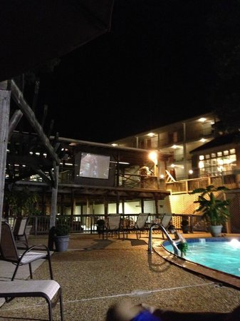 BEST WESTERN Inn of the Ozarks:                   Movie by the pool.