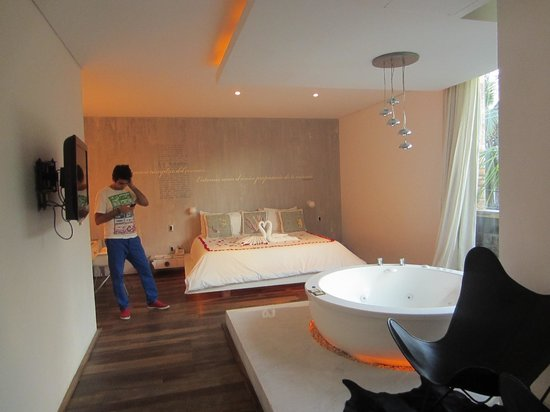 Be Playa Hotel :                   Master Suite, First Floor