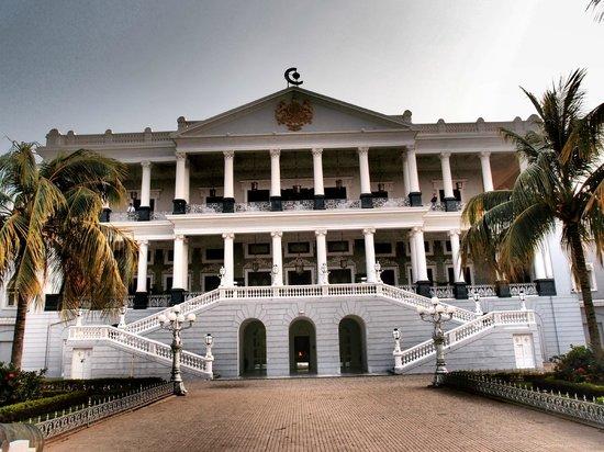 Taj Falaknuma Palace:                   Front of Palace