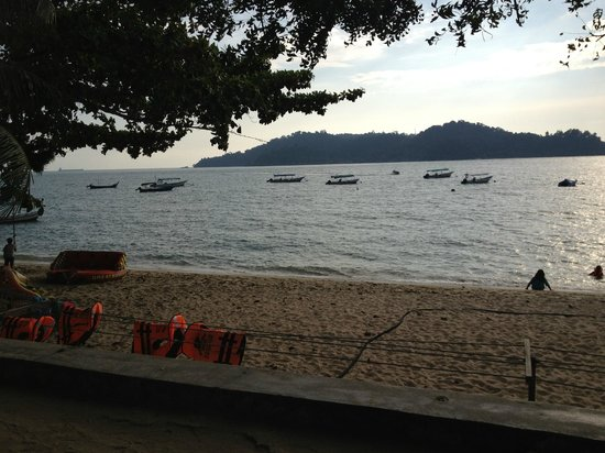 Pangkor Sandy Beach Resort:                   Bogak beach in front of resort