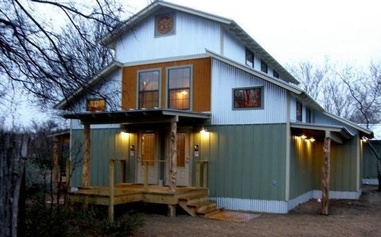 Jellystone Park Texas Wine Country Camping Resort: new bath house