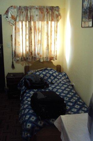 Hostal Compania de Jesus :                   habitación