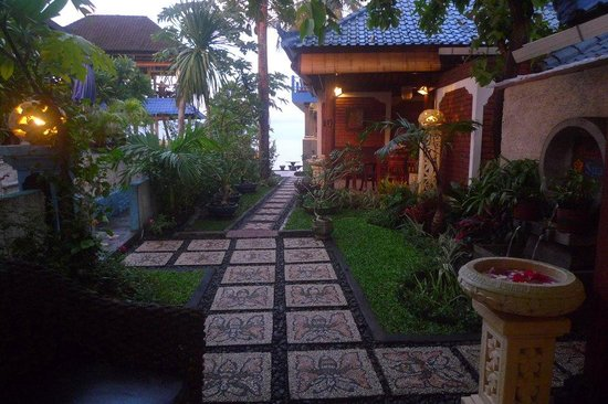 Matahari Tulamben Resort, Dive & SPA:                   My view when having a head and shoulder massage at the spa