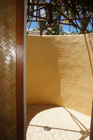 Aitutaki Lagoon Resort & Spa:                   Outdoor Shower