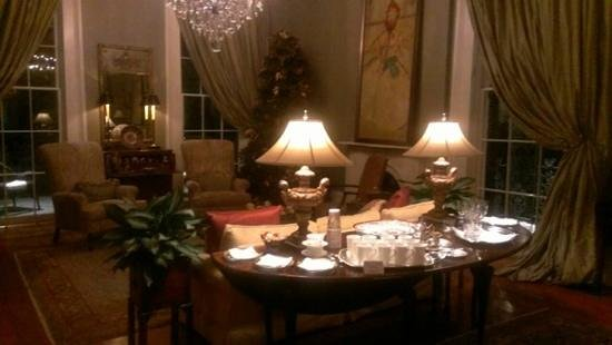 Terrell House Bed and Breakfast : beautiful interior