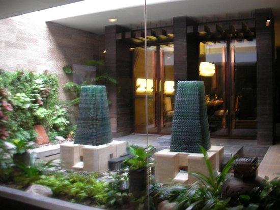 Dusit Thani Bangkok: dining