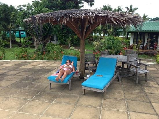 Amoa Resort:                   poolside relaxing