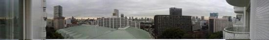 Grand Prince Hotel New Takanawa: Panoramic view from our superior suite on the 11th floor balcony