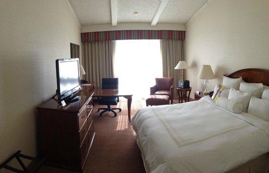 Lincolnshire Marriott Resort: 3rd floor room