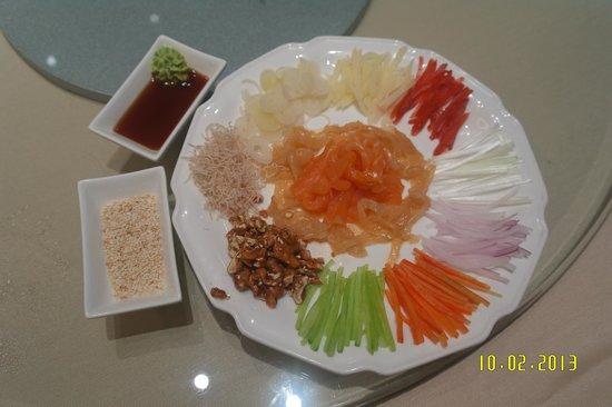 "Zhuhai Charming Holiday Hotel: ""Yu Sheng"" - Meant for CNY. ZhuHai style is healthier while less ""fluffy""."