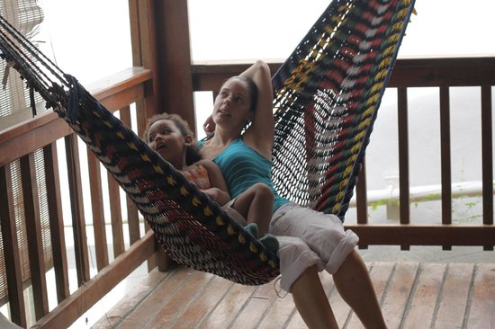 West Bay Lodge and Spa: Enjoying our hammock as much as we could