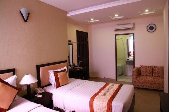 Hoang Ngan Hotel:                   Superior Room