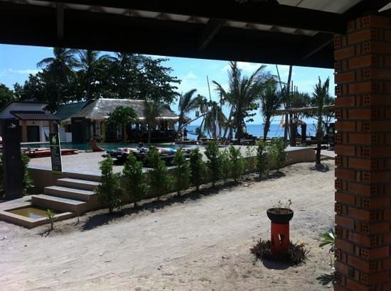 Coco Lanta Resort: room view - both pool and sea view.