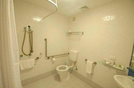 Tropical Heritage Cairns: Bathroom/Spa