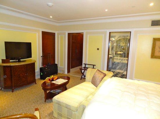 The Regency Hotel Kuwait: Room