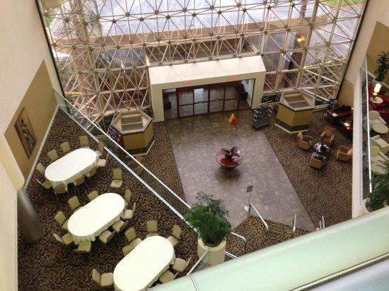 Hilton Tucson East: Atrium