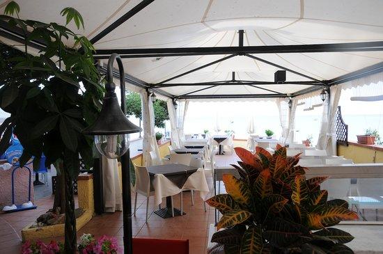 Residence Al Pozzo: il ristorante sulla spiaggia
